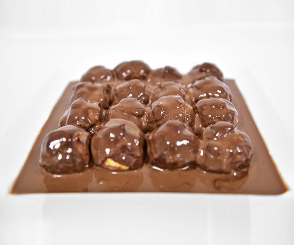 Profiteroles in Chocolate Sauce